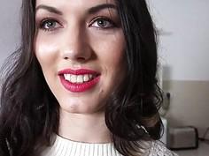 Czech babe Sara Highlight sex for money