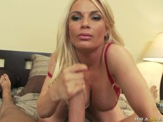 Slutty blonde milf Diamond Foxxx deepthroats and gets rimjob