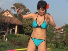Romantic pale skin Asian Makoto Ishikawa flashes her body in bikini