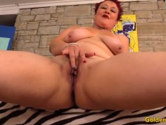 Mature Redhead Scarlett ORyan Plays with Herself Before Sucking and Fucking