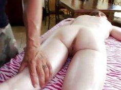 Stud works on a pornstar