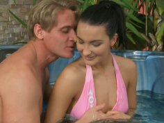 Cheese cake Bailee getting her anus fingerfucked in small pool