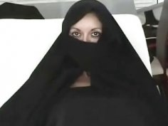 Iranian Muslim Burqa Wife gives Footjob on Yankee Mans Big American Penis