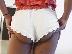 Katt Garcia twerking his nice big ass