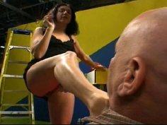 Bootylicious brunette milf Katrina Rosebud is a dominator in sex