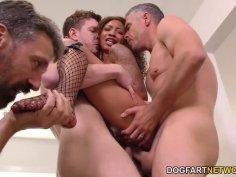 Ebony slut September Reign gets gangbanged by horny white guys