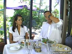 Romantic slim brunette Daisy Marie repays for dinner with a blowjob