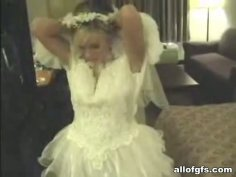 Kinky bride gets rid of wedding dress for sucking a tasty hot tool