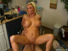 Blond and buxom nympho Diamond Foxxx rides a stiff cock