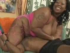 Obese black whore Daphne Daniels wanna suck a stiff tool for cum