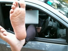 Hot feet; sexy wrinkled soles; huge long soles; pointed toes