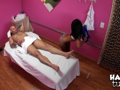 Masseuse Cindy has golden hands and lips