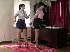 Skirt-wearing beauty gets hogtied