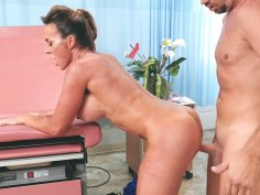 Busty MILF Aubrey Black gets pounded standing